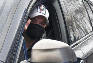 Marcelo Gallardo llegando a realizarse el hisopado